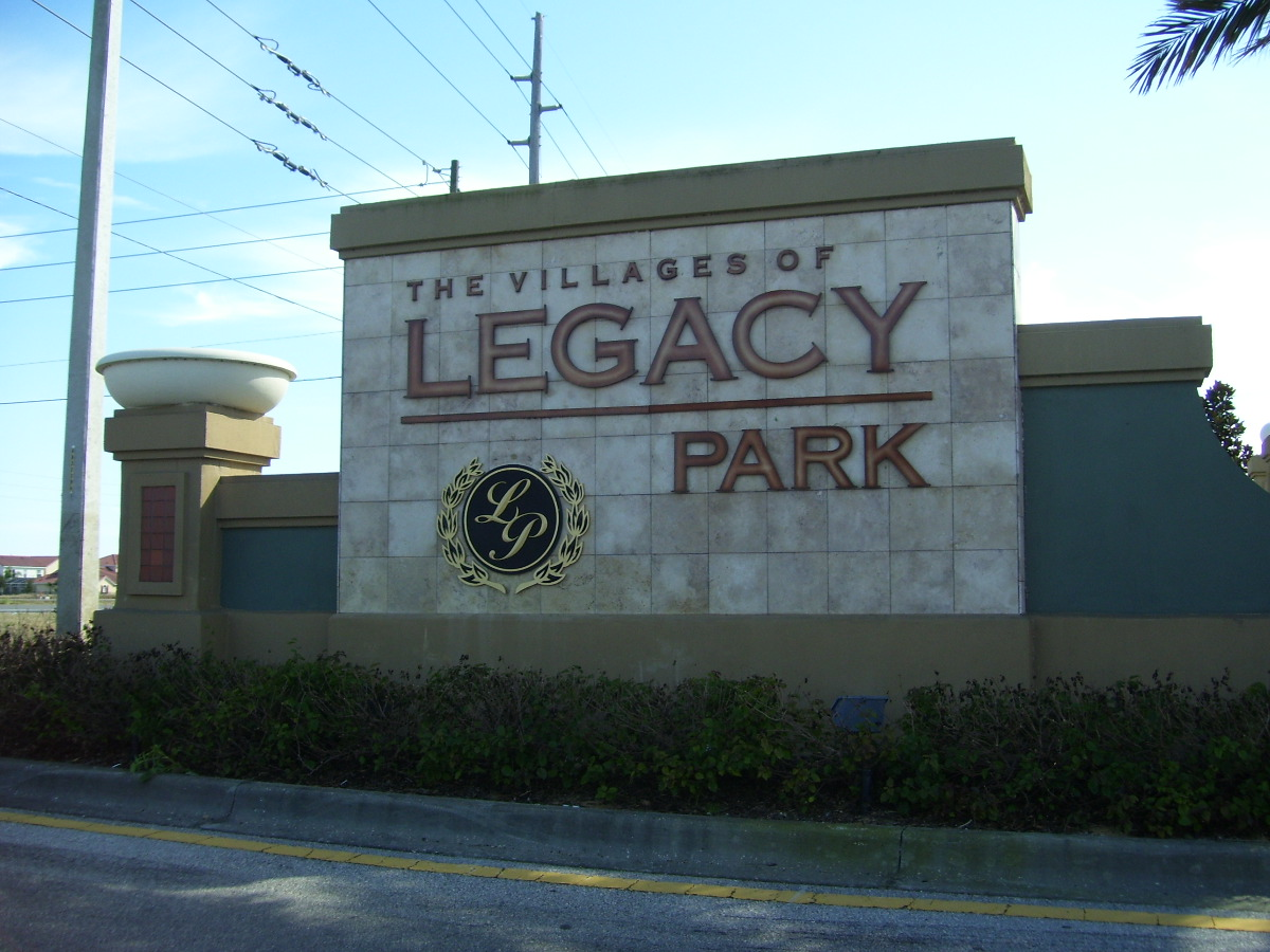 Legacy park is close to disney located in davenport south for Legacy house